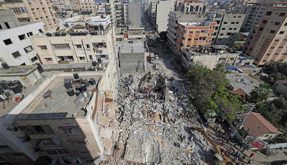Netanyahu: Árásir áfram eins lengi og þörf er á