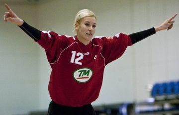 Florentina Stanciu markvörður ÍBV var í stuði gegn FH í kvöld.