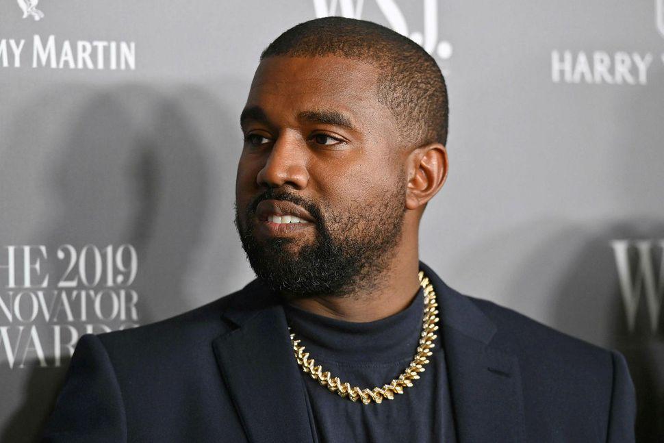 Kanye West segist vera að þjóna guði.
