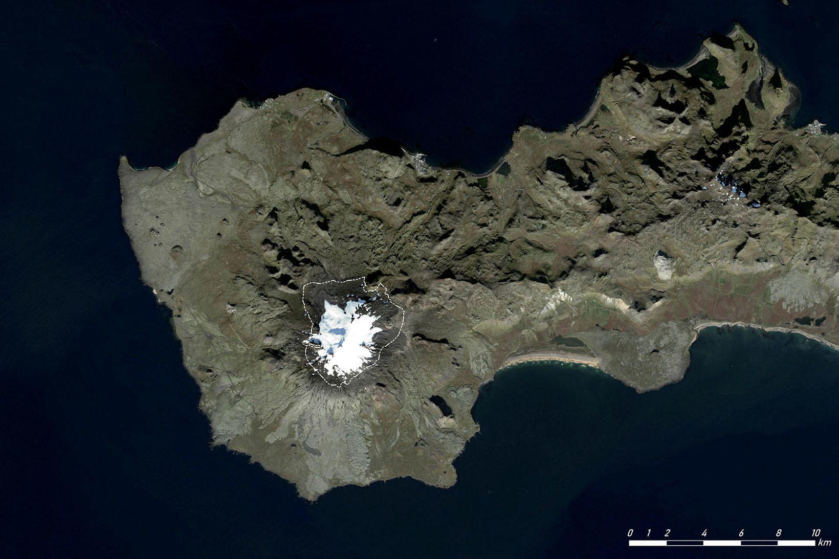 Snæfellsjökull er áttundi hæsti jökull landsins. Teiknaða línan sýnir jökuljaðarinn …