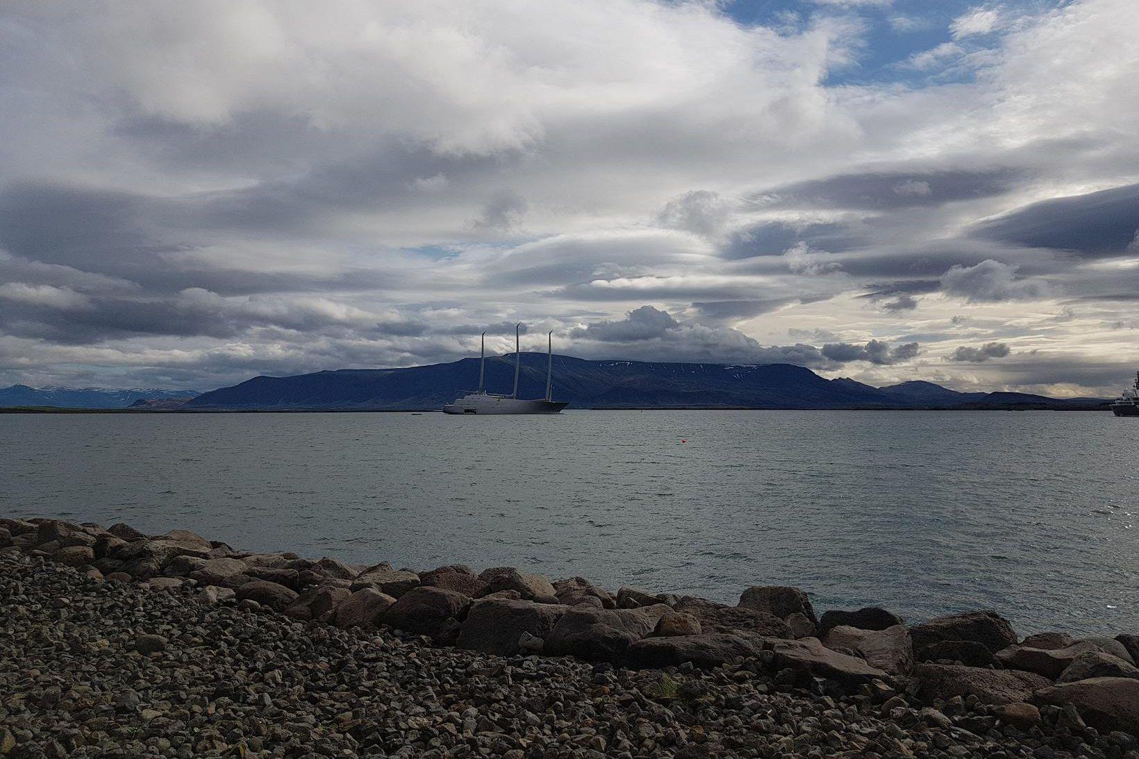 Snekkjan A er komin til Reykjavíkur.