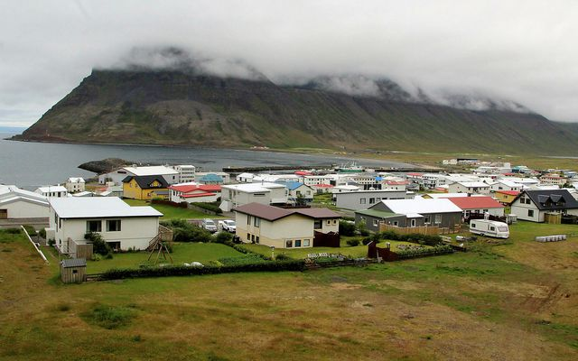 Fyrsta smitið kom upp í Bolungarvík í gær og grunur er um fleiri.