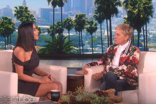 Kim Kardashian ræðir við Ellen DeGeneres.