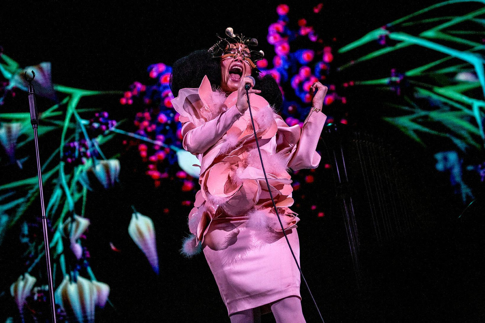 Björk á tónleikunum í London.