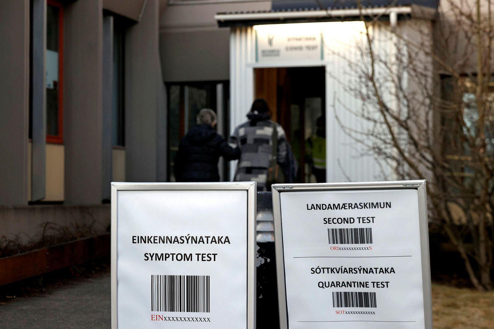 Sýnataka fer fram við Suðurlandsbraut.