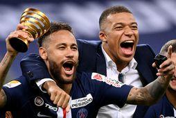 Neymar og Kylian Mbappé urðu franskir bikarmeistarar á dögunum.