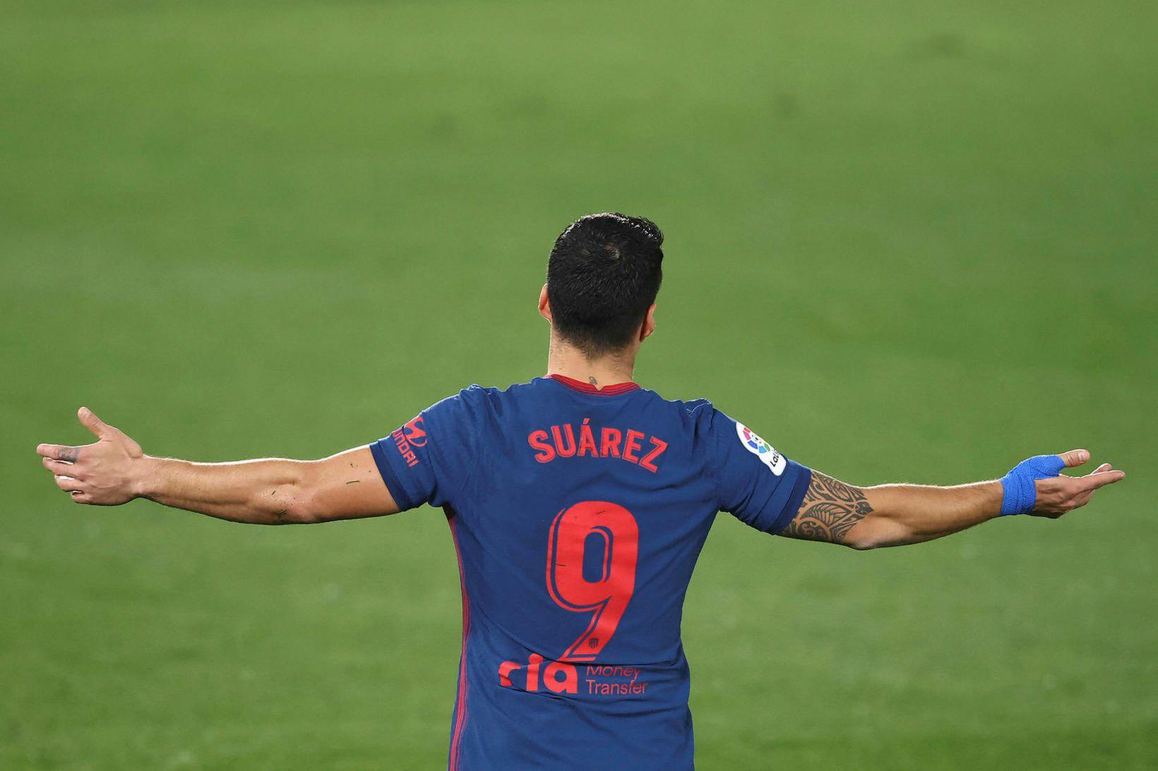 Luis Suárez og félagar eru á toppnum.