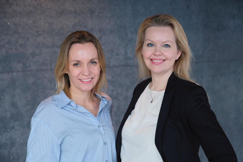Elísabet Helgadóttir, framkvæmdastjóri mannauðssviðs, og Ásdís Ýr Pétursdóttir, upplýsingafulltrúi Icelandair.