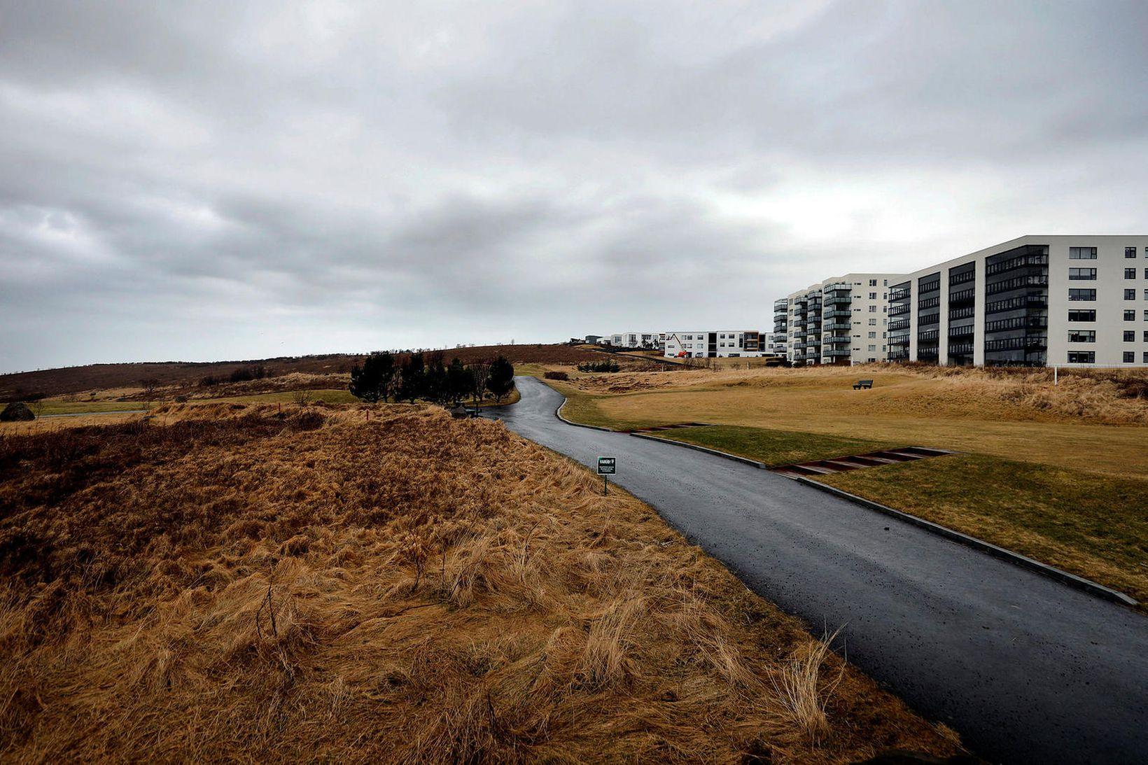 """""""Á móts við Þorrasali ... mun Vorbraut verða lögð í …"""