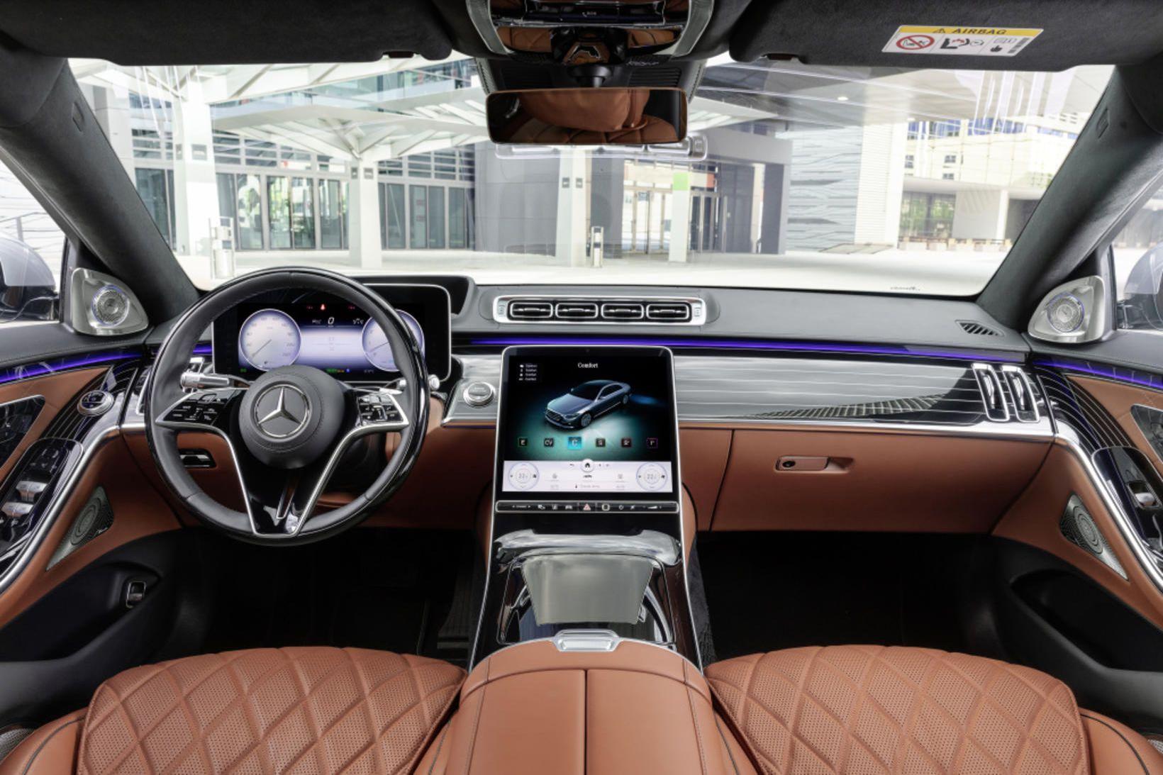 Í innanrými hinnar nýju kynslóðar Mercedes-Benz S-Class sem frumsýnd var …