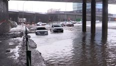Flooded engines as cars disregard closure signs