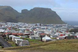 Lífeyrissjóður Vestmannaeyja er sagður hafa verið með eignir utan skráðs verðbréfamarkaðs umfram leyfilegt hámark.