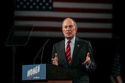 Michael Bloomberg sér eftir að hafa sagt að ástæða þess að flestar löggur New York-borgar …