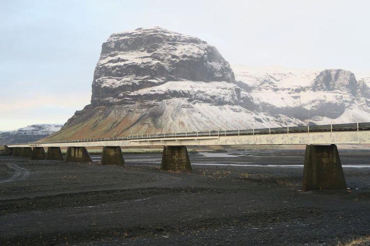 The bridge over Núpsvötn, Southeast Iceland.