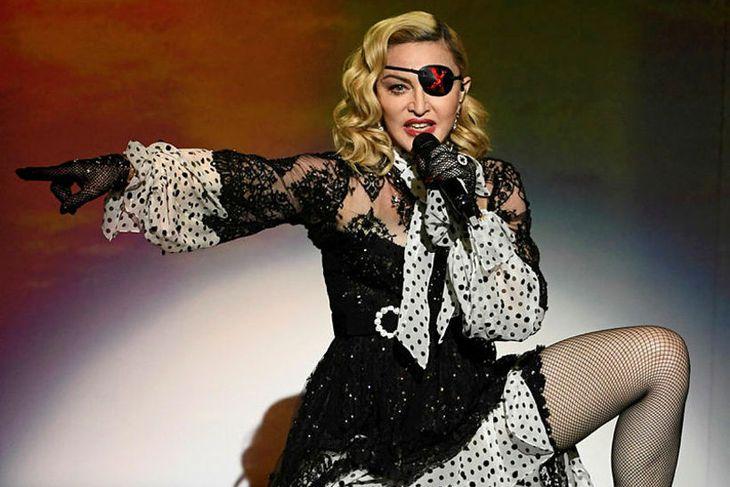 Madonna kemur fram á úrslitakvöldi Eurovision eftir allt saman.