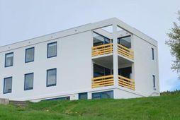 Bygging Þelamerkurskóla er hönnuð af Sigvalda Thordason