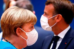 Angela Merkel Þýskalandskanslari og Emmanuel Macron Frakklandsforseti á fundinum í gær. Sóttvarnir eru í hávegum …