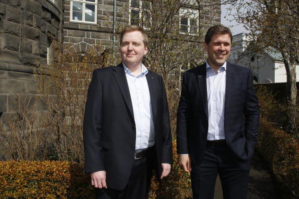 Sigmundur Davíð Gunnlaugsson og Bjarni Benediktsson í Alþingisgarðinum í dag.