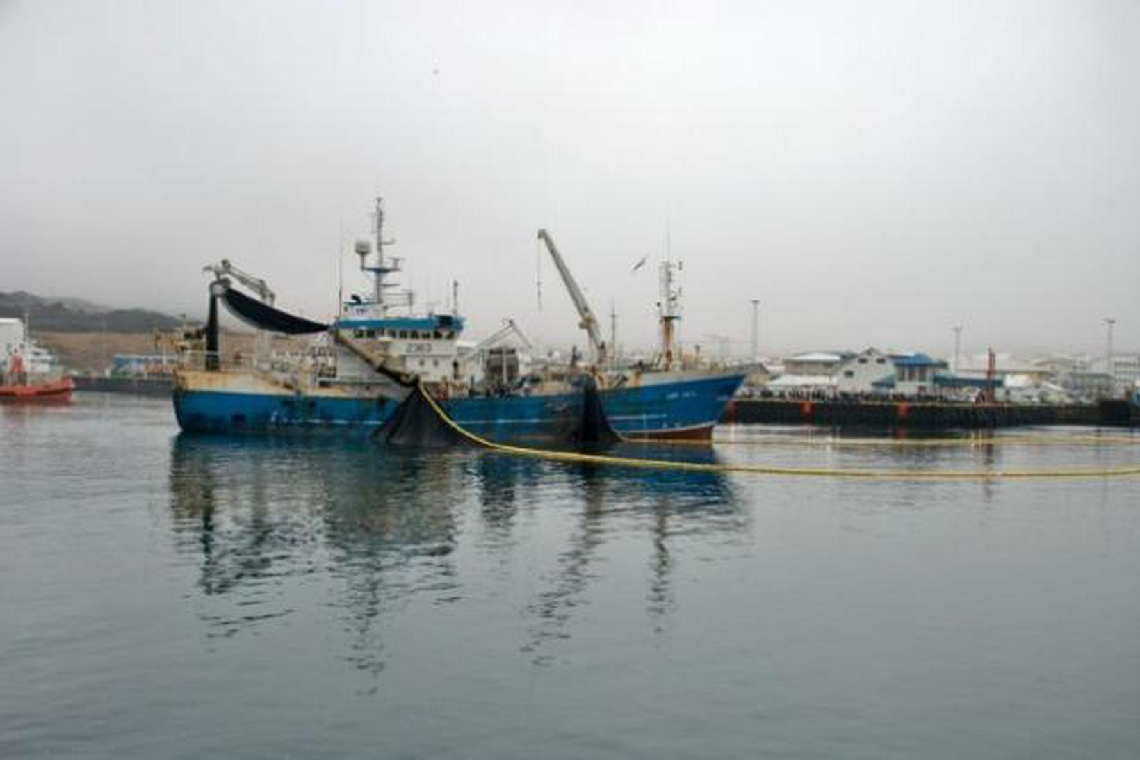Síldveiðar við Básaskersbryggju.
