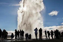 Mælt er með því að ferðast um Suðurlandið þegar millilent er á Íslandi.