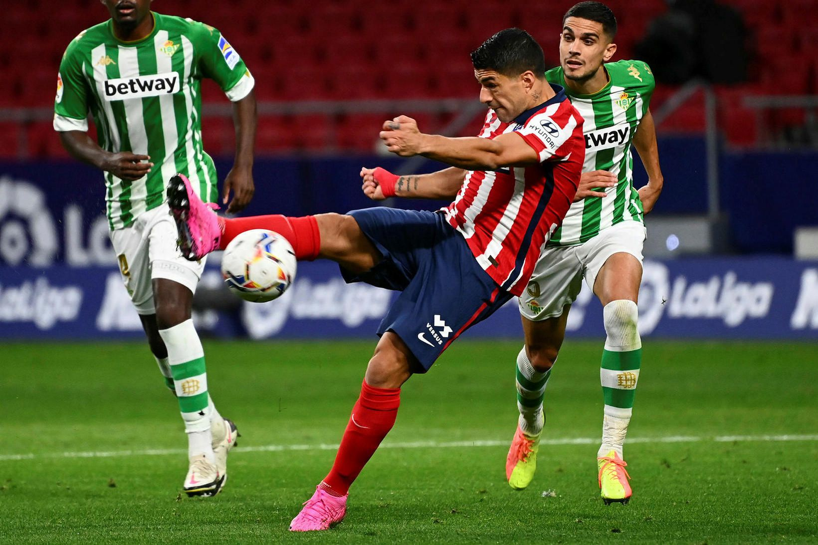 Luis Suárez fer afar vel af stað með Atlético Madrid.