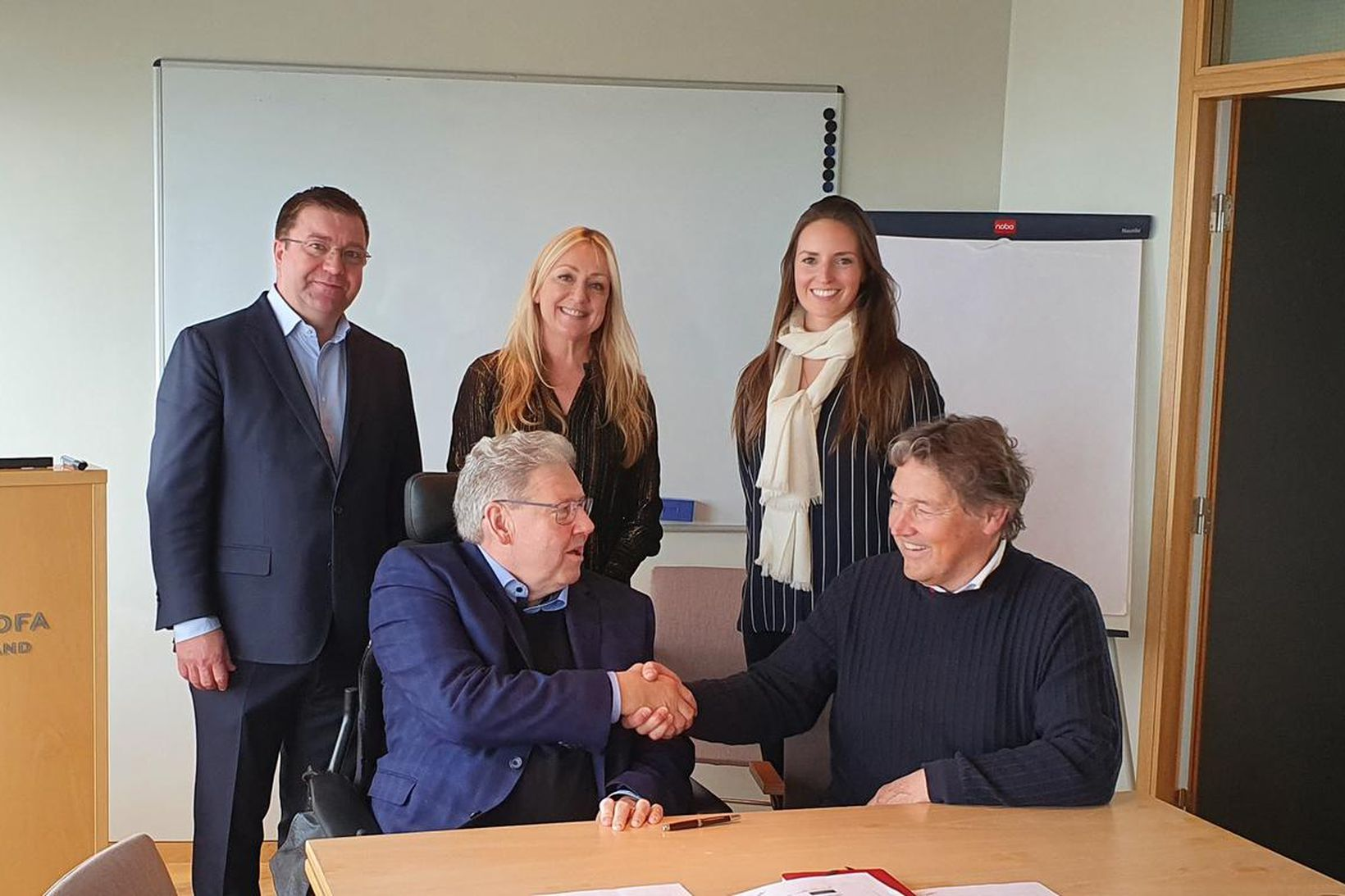 Á myndinni eru Pétur Þ. Óskarsson, Sara Lind Þrúðardóttir, Agnes …