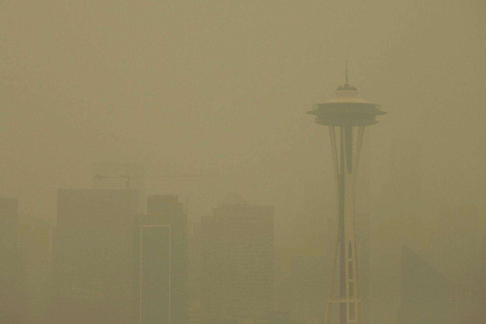 Borgin Seattle í greipum misturs frá gróðureldunum á vesturströnd Bandaríkjanna.