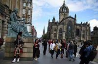 Frá Edinborg í Skotlandi.