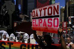 Efnt var til mótæmæla í New York í dag vegna skotárásanna í El Paso og ...
