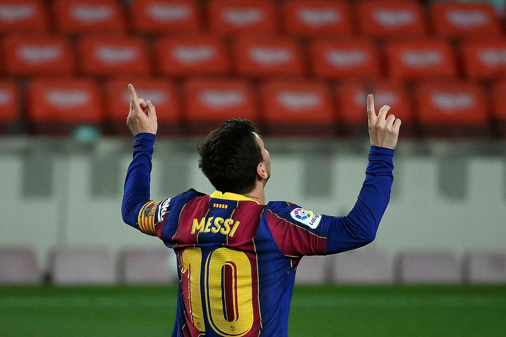 Lionel Messi skoraði tvö mörk fyrir Barcelona í kvöld.