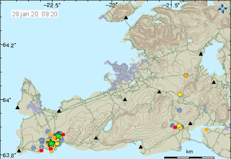 Seismic activity in Reykjanes. Green stars represent quakes in excess of magnitude 3.