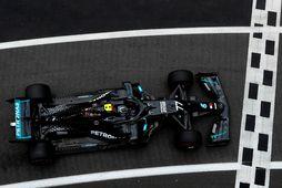 Valtteri Bottas á ferð á æfingunni í Silverstone.