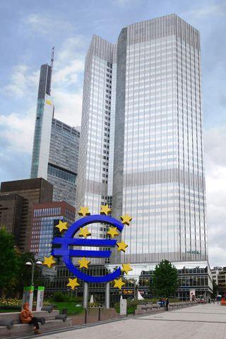 Evrópski seðlabankinn í Frankfurt. Evrópusambandið. ESB.