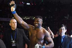 Francis Ngannou er nýr þungavigtarmeistari UFC.