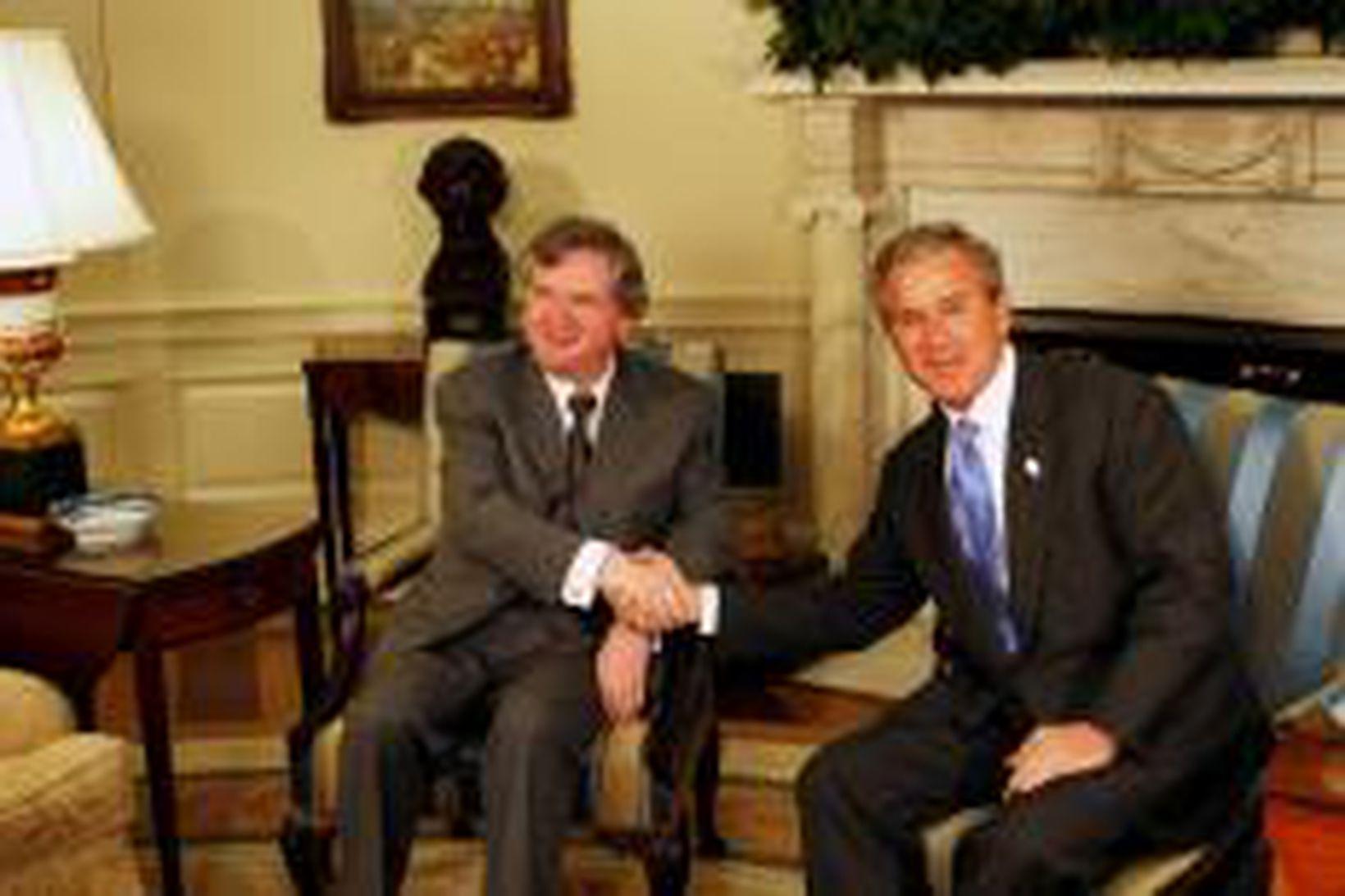 Davíð Oddsson og George W. Bush í Hvíta húsinu í …