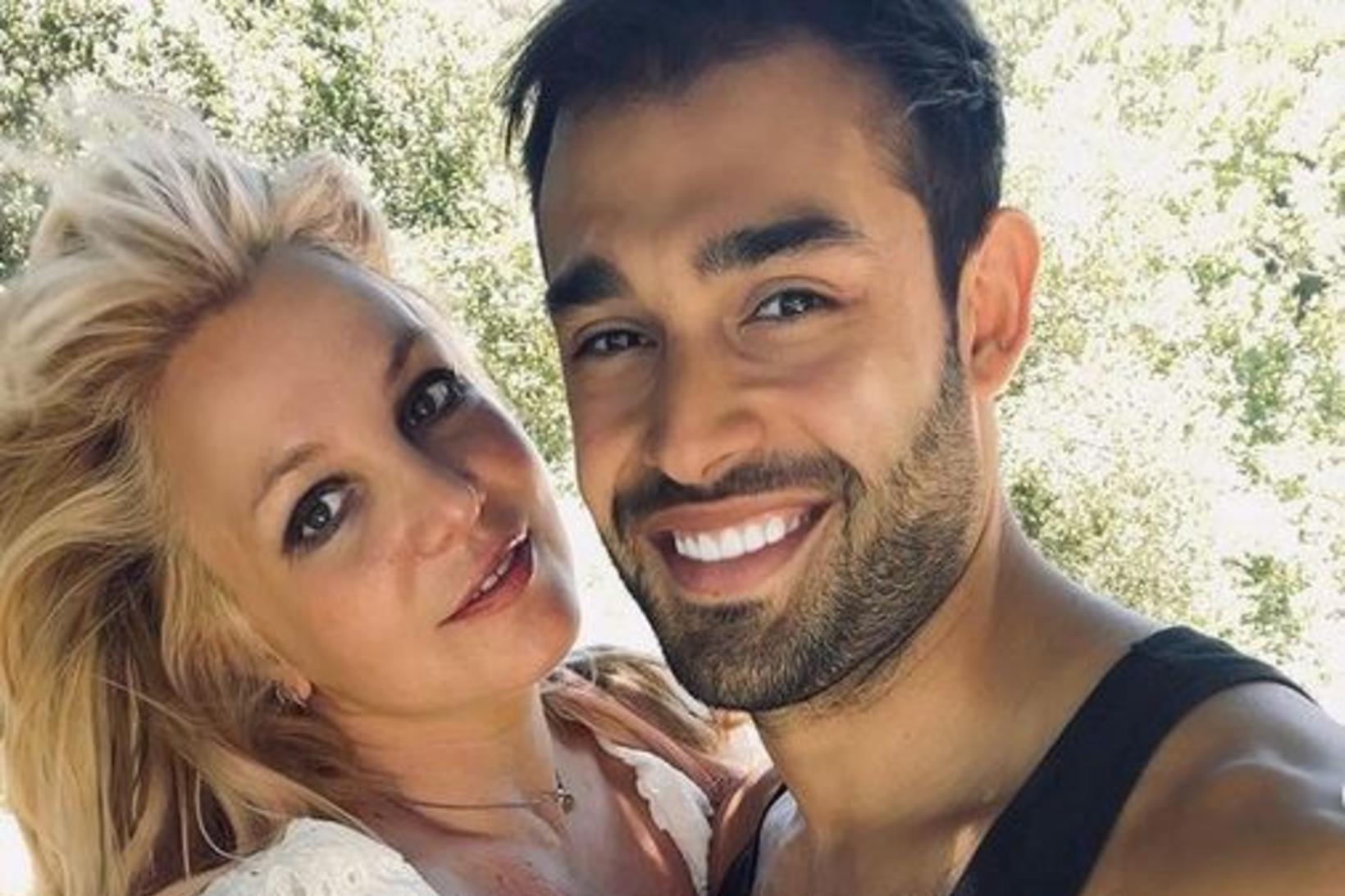 Britney Spears og kærastinn hennar Sam Asghari.