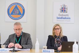Þórólfur Guðnason sóttvarnarlæknir og Alma Möller landlæknir á fundinum í dag.