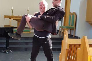 Valdimar Sverrisson og Davíð Þór Jónsson bregða á leik.