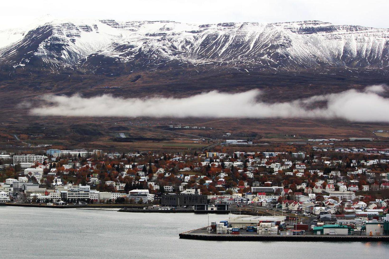 Horft yfir Akureyri.