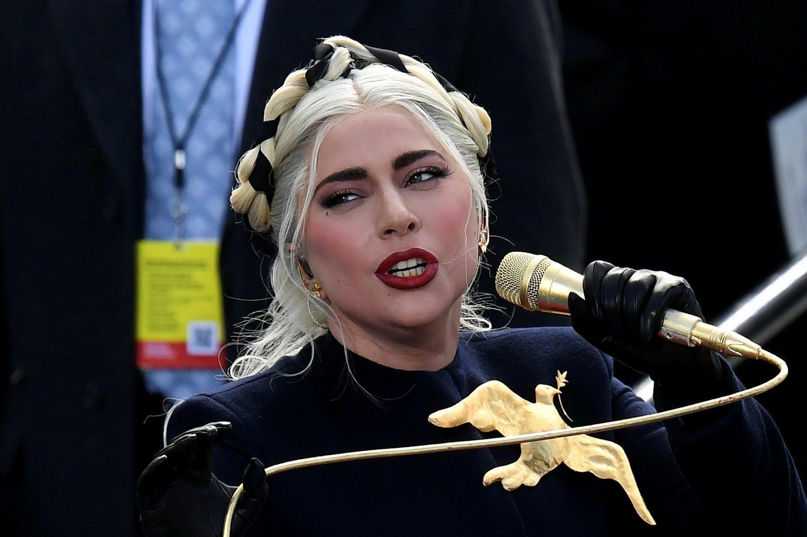 Lady Gaga við innsetningu Joe Bidens Bandaríkjaforseta.