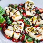 Ómótstæðilegt ítalskt salat með grillosti
