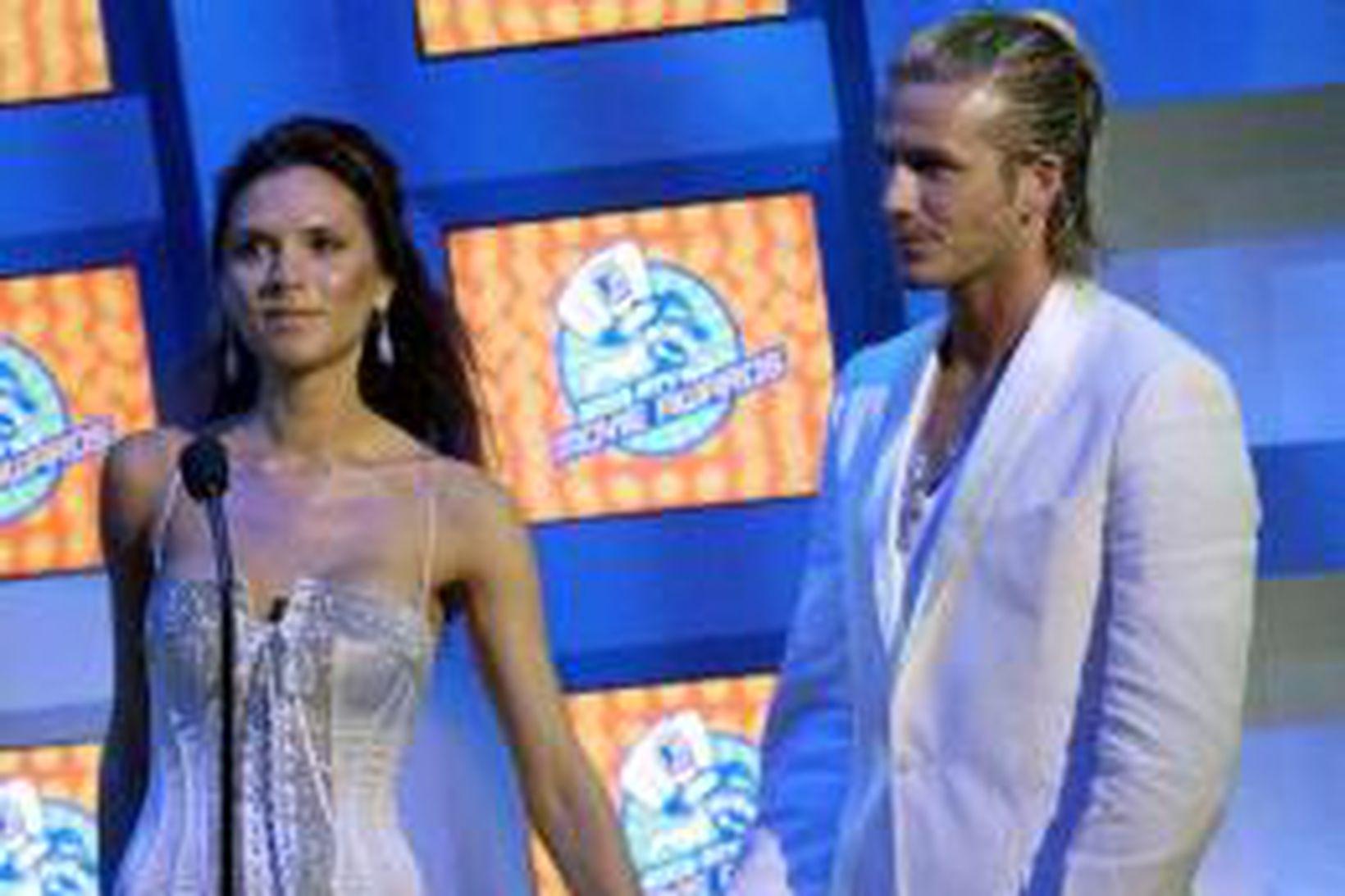 Hjónin Victoria og David Beckham afhentu verðlaun á MTV-kvikmyndahátíðinni.