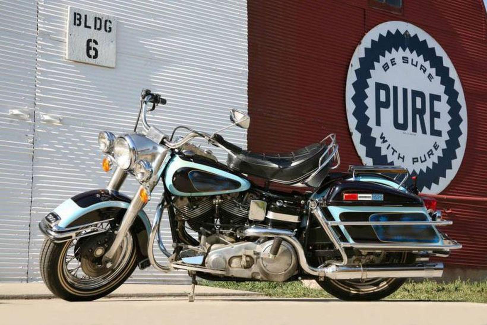 Harley-Davidson FLH 1200 Electra Glide mótorhjól Presley er metið tveggja …