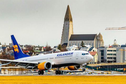 Boeing Max 8 þota Icelandair lendir á Reykjavíkurvelli.