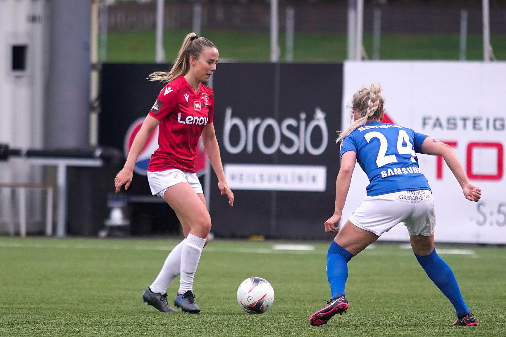 Elín Metta Jensen og Málfríður Erna Sigurðardóttir í Garðabænum í …