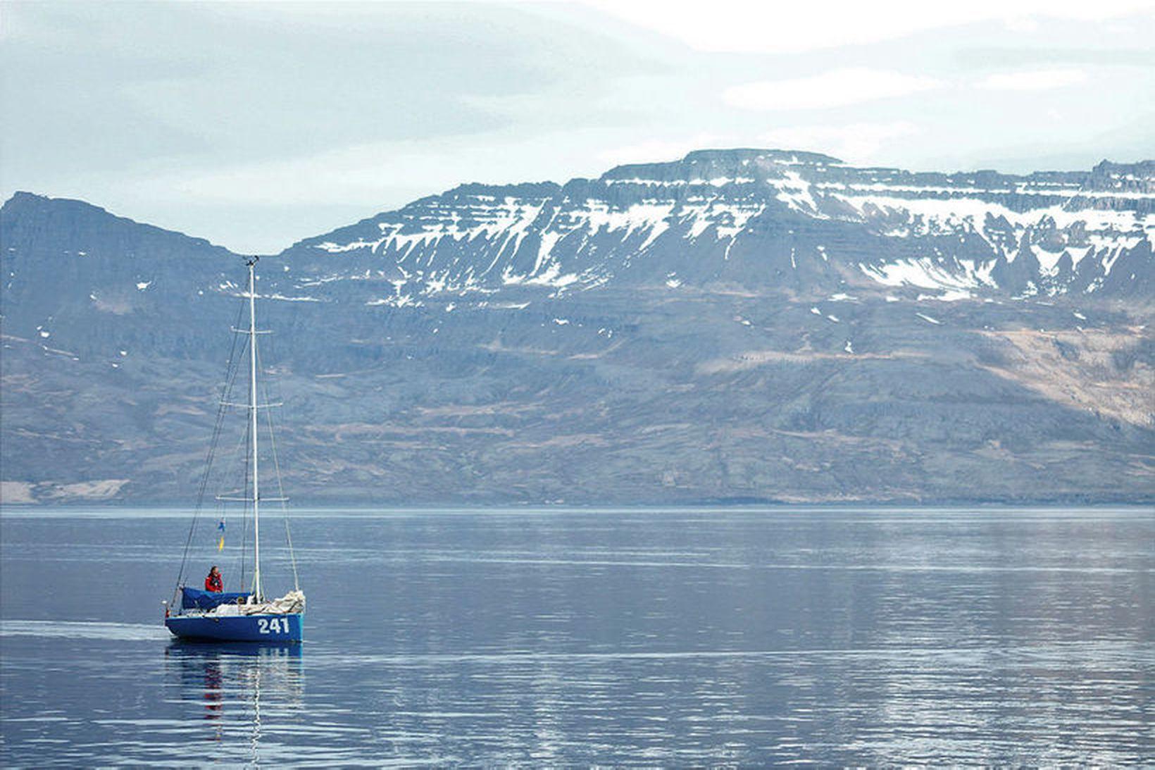Andrew Bedwell kom inn til Norðfjarðar í gærkvöldi til að …