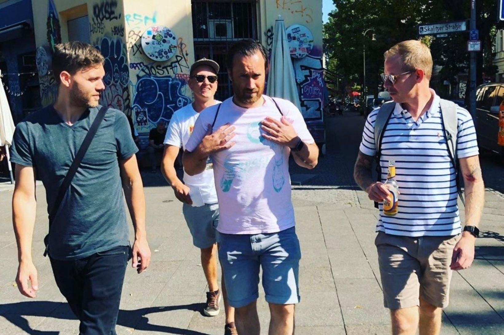 Karlar í Berlín, eins og Dressmann-auglýsing, nema bara fyrir Club …