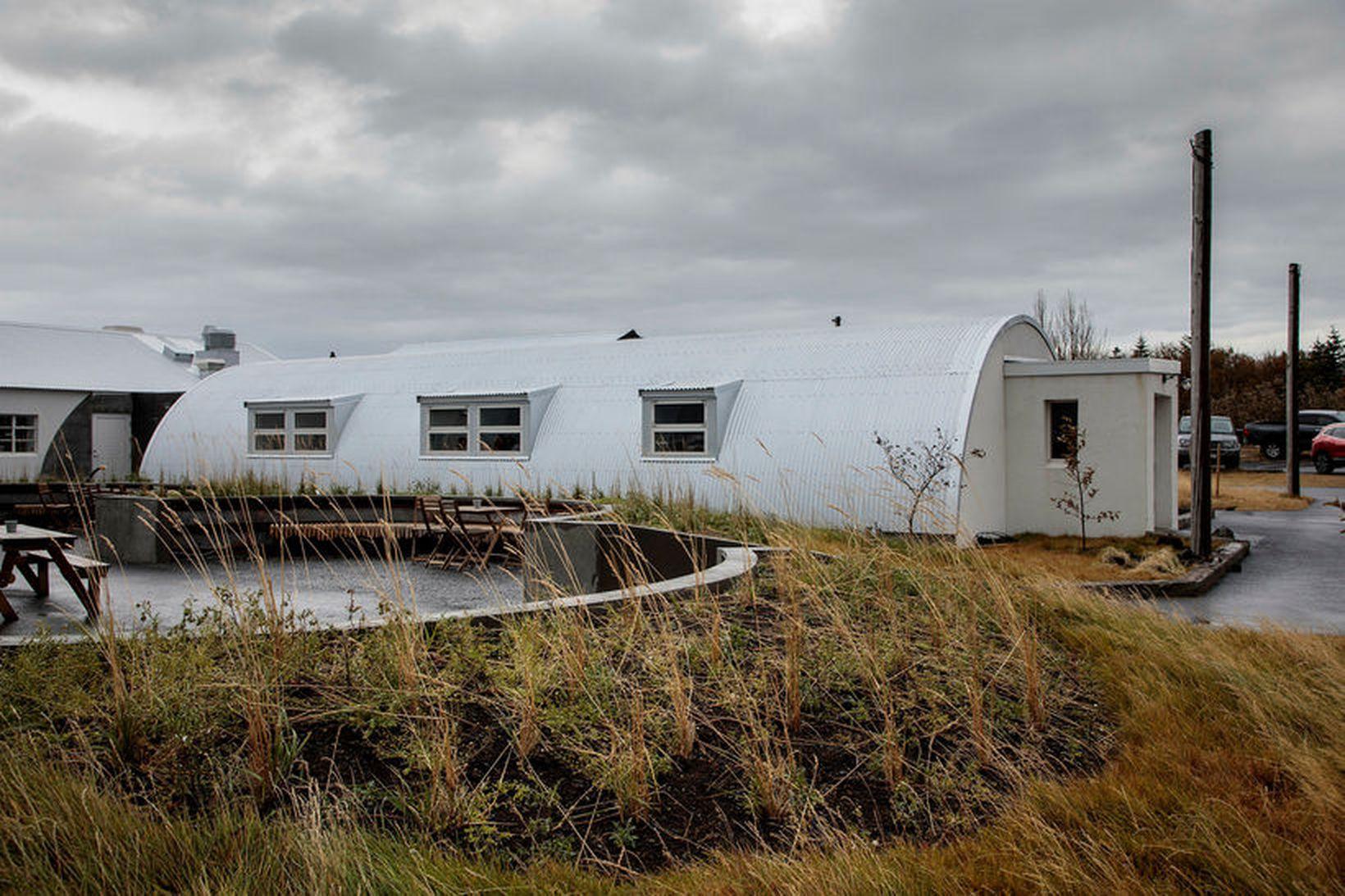 Áætlaður heildarkostnaður við framkvæmdir við húsin þrjú á Nauthólsvegi 100 …