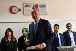 Erdogan Tyrklandsforseti á kjörstað fyrr í dag.
