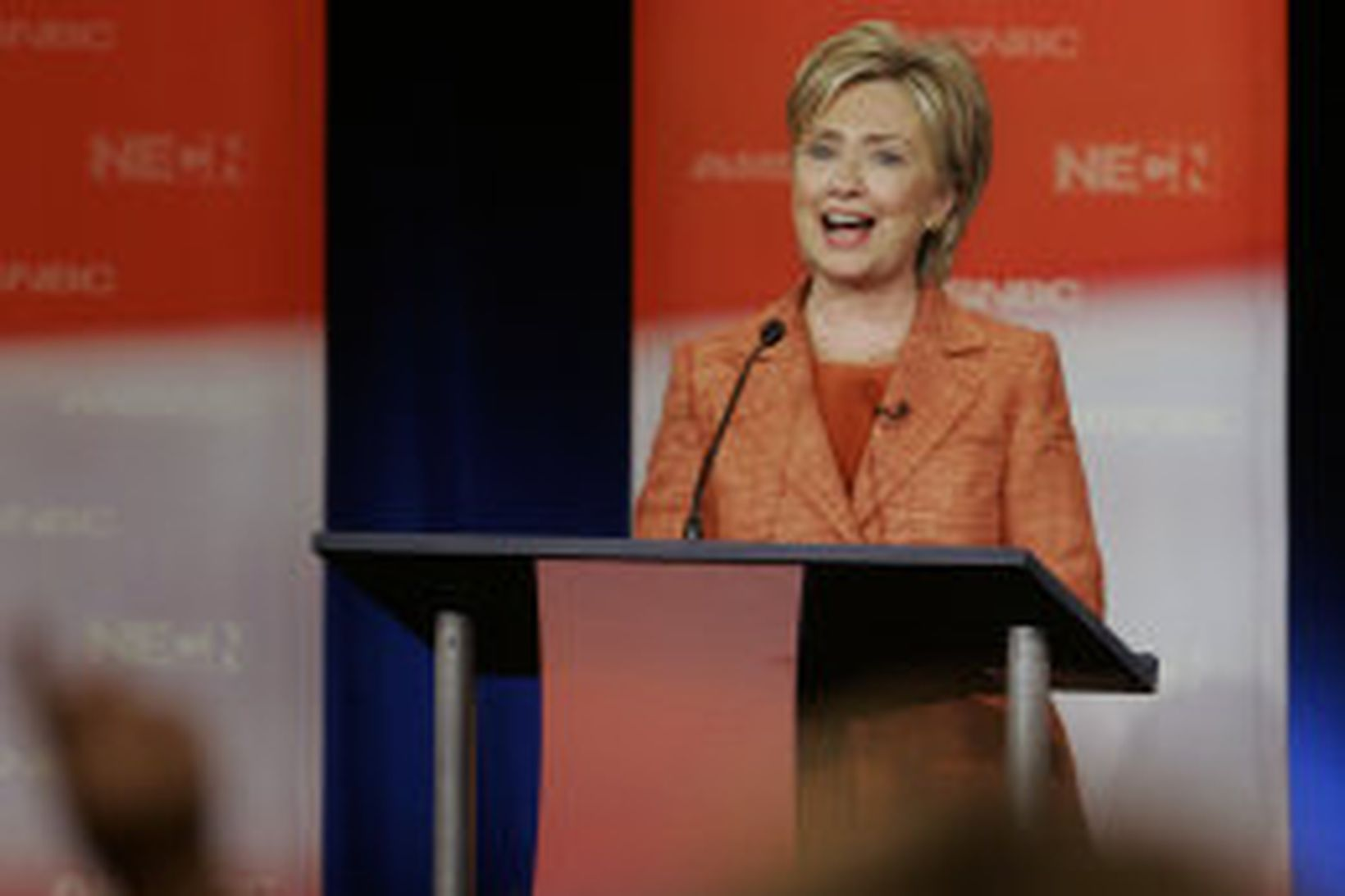 Hillary Rodham Clinton, er hún kom fram í kappræðum þeirra …